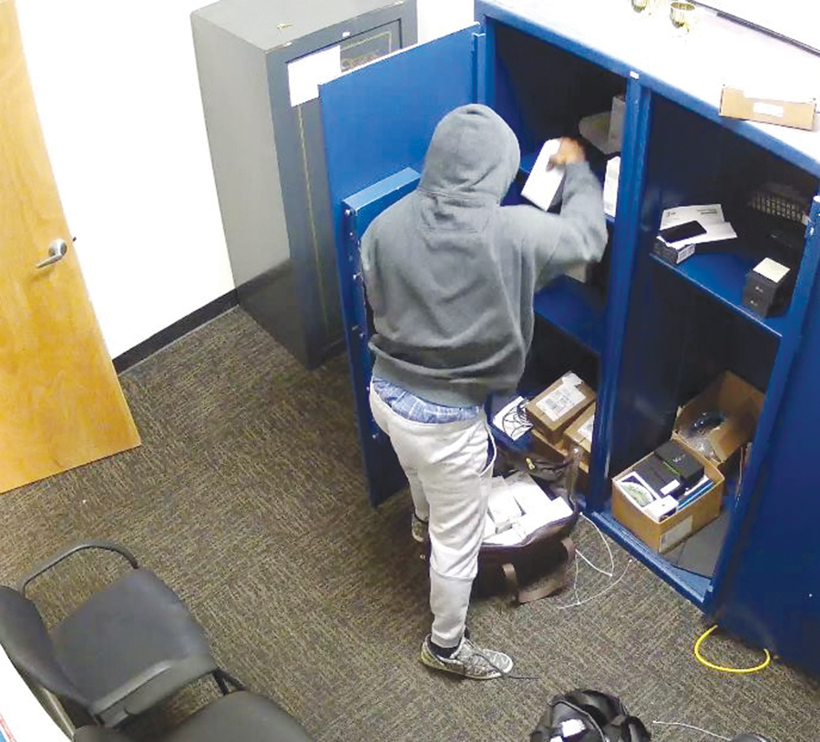 Police offer reward in armed robbery