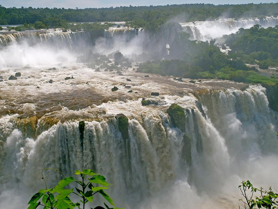 Iguazu Falls: A magnificent wonder of nature