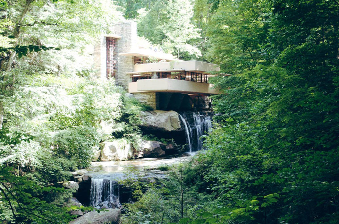 Fallingwater: An amazing summer house