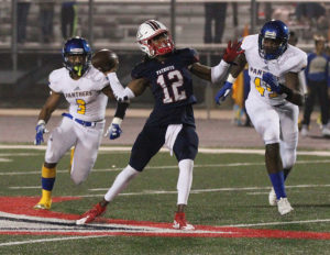 Sandy Creek cruises into quarterfinals with 56-7 rout