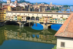 A stroll in Florence: Walking to a unique and fascinating bridge